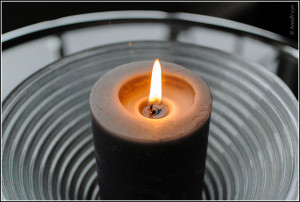 candlelight by Arend (via Flickr)